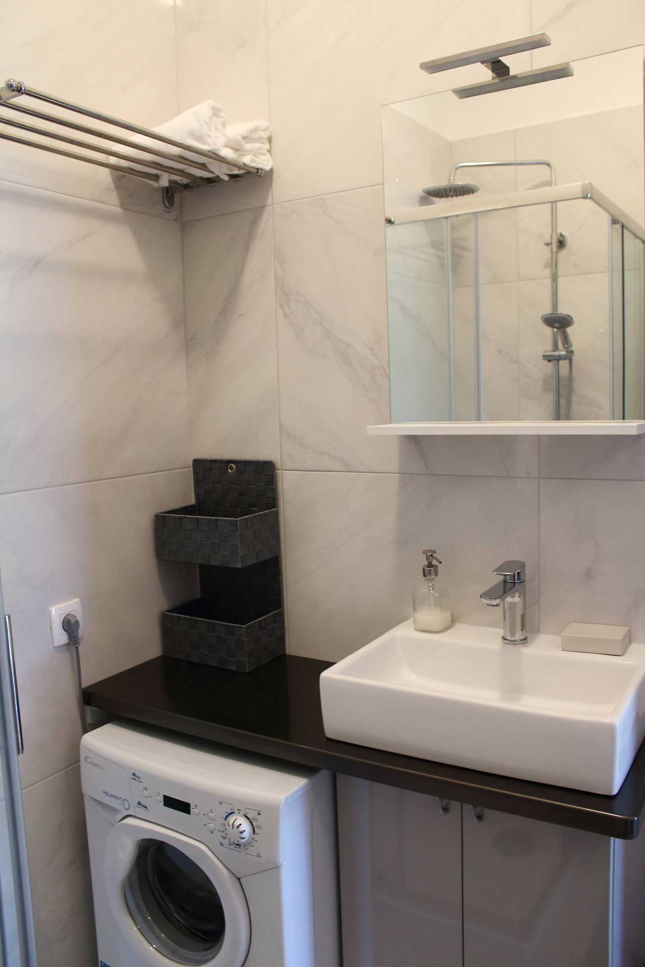 Apartments Basan Lovran-Opatija, apartment 2+2 bathroom with washing machine