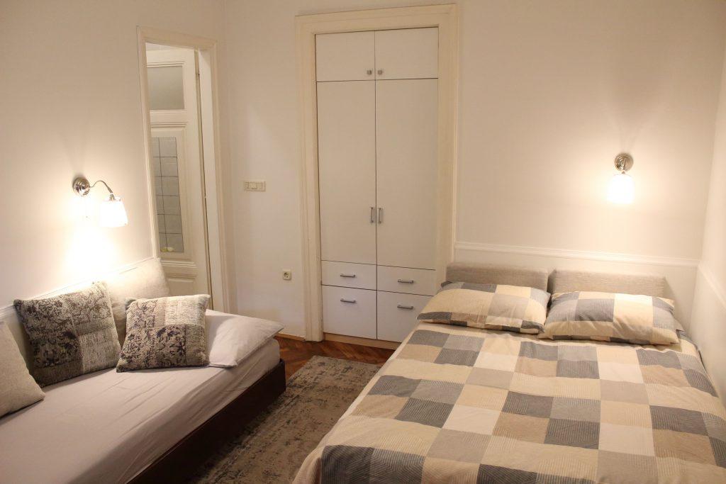 Villa San Giuseppe Lovran, center, quiet location, 50 m from sea, apartment 2+1 studio