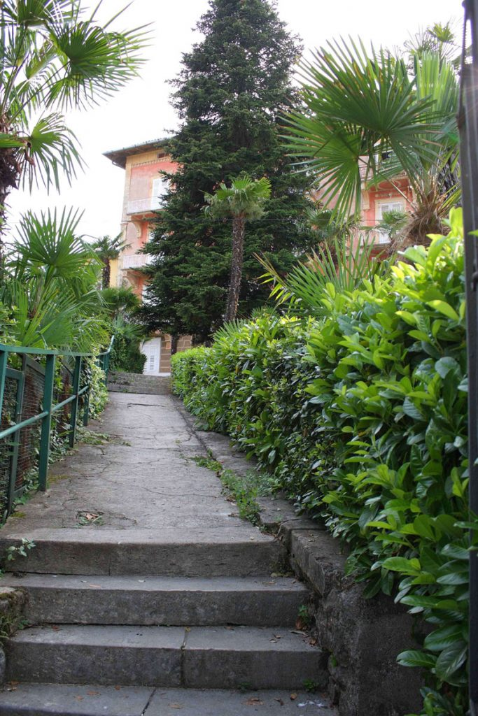 Villa San Giuseppe Lovran, center, quiet location, 50 m from sea entrance