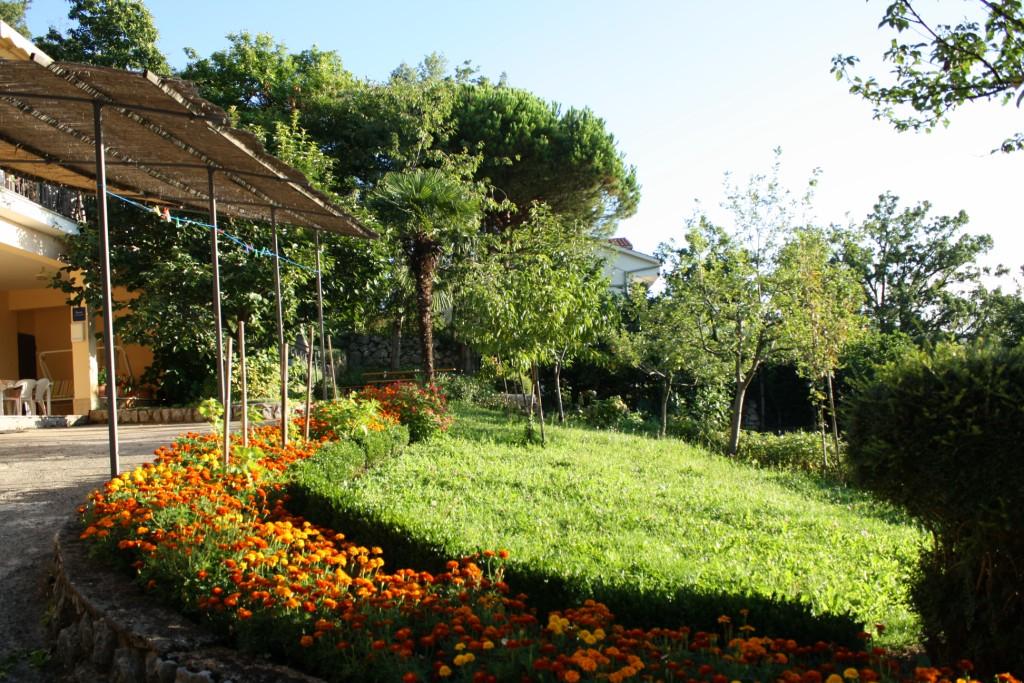 Apartments Basan Lovran-Opatija, garden