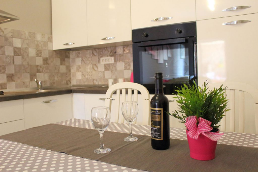 Apartments Basan Lovran-Opatija, apartment 4+1 dining