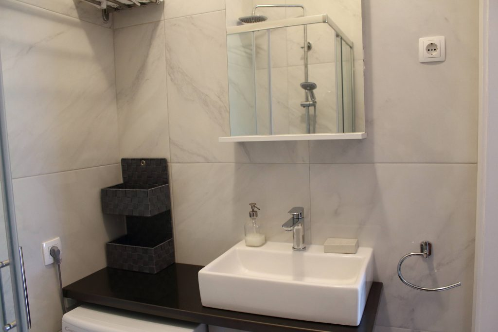 Apartments Basan Lovran-Opatija, apartment for 4 with modern bathroom