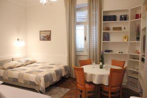 Villa San Giuseppe Lovran, center, quiet location, 50 m from sea, apartment 2+1 studio booking