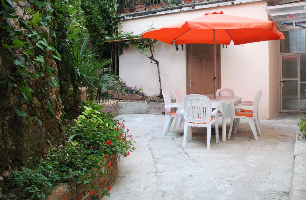 Apartment with private garden and barbecue Villa San Giuseppe Lovran in Opatia riviera