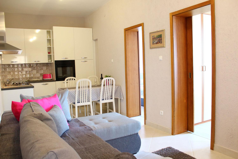 Apartments Basan Lovran-Opatija, apartment 4+1 livingroom