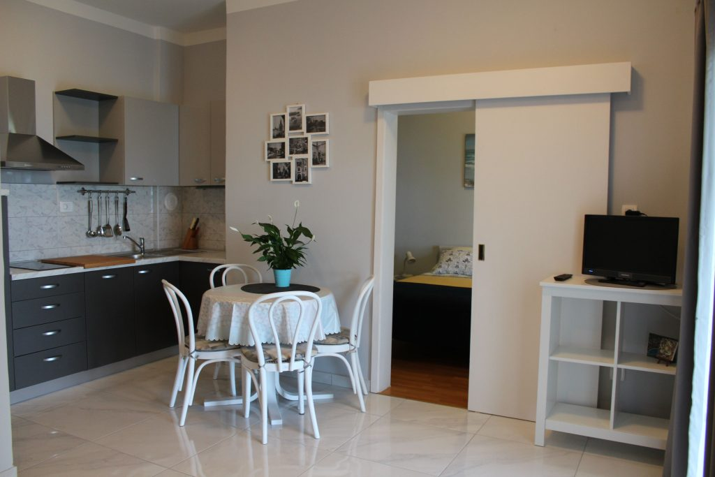 Charmin and cheap apartment in Opatija for couples